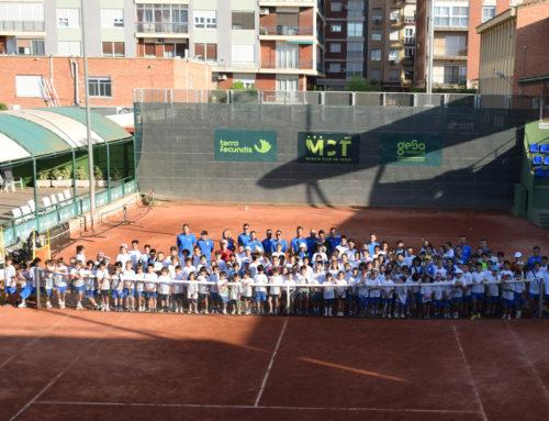 Gran exhibición de los alumnos de la Escuela de Tenis en su clausura