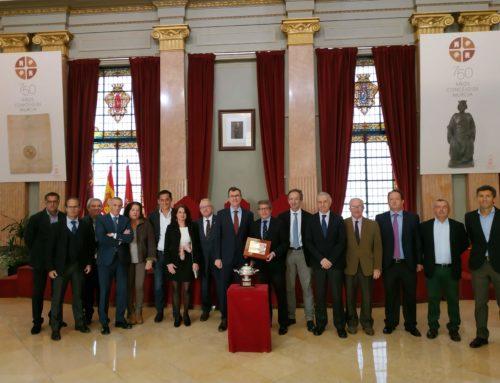 El Murcia Club de Tenis 1919, recibido por el alcalde en el Ayuntamiento