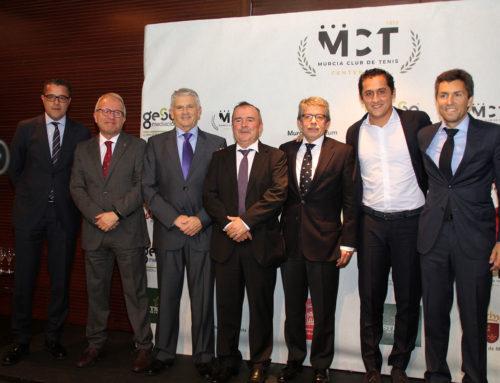 El Murcia Club de Tenis 1919 entrega sus premios anuales con Rafa Nadal como 'invitado' sorpresa