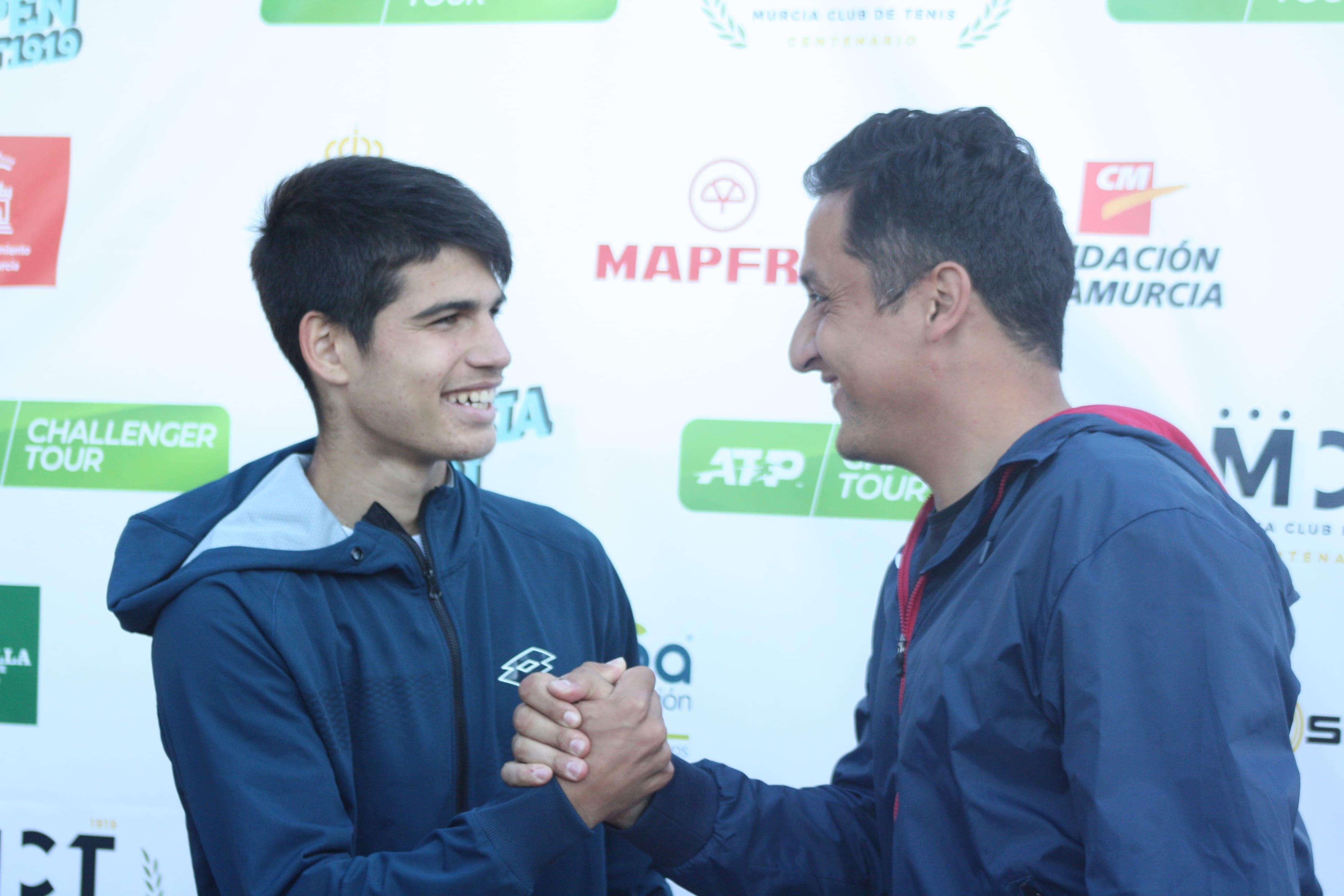 Carlos Alcaraz y Nico Almagro, pasado y futuro del tenis regional y español, coincidieron en el I Murcia Open ATP Challenger.