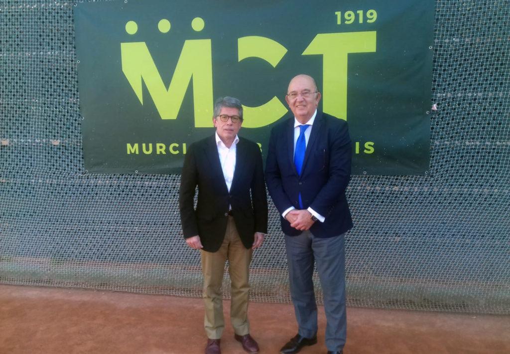Antonio Saura, presidente del RMCT 1919, junto a Miguel Díaz, presidente de la Real Federación Española de Tenis (RFET).
